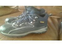 Mens satety boots size 8