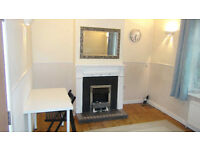 DOUBLE ROOM for rent overlooking front in 4 Bed in Uxbridge near Brunel & Stockley Park
