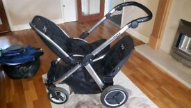 Oyster max 2 double and car seats and bases