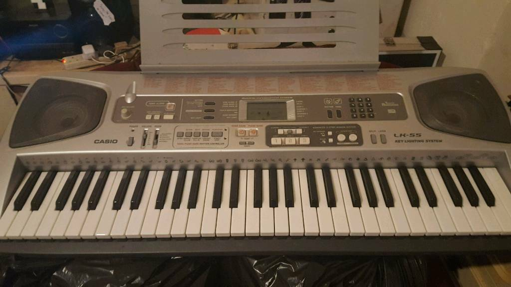 Casio Keyboard. Lighting Keys. Great condition