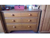 Chest of drawers -wood