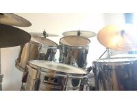 Classic Pearl Export 5 piece drum kit + 5 symbols and extras
