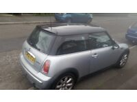 Mini cooper silver black rood