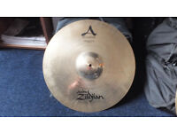 "A ZILDJIAN 18"" MEDIUM CRASH CYMBAL BRILLIANT FINISH"