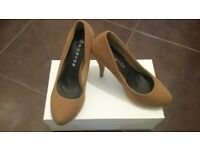 Ladies Brown Suede Court Shoes NEW