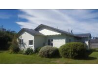 Stunning New Zealand Property - 4Bed House in the Middle of a Country Town on 1 Acre + a Business!