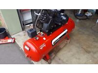 AIRMATE 5.5HP PISTON AIR COMPRESSOR 200 LITRE 10 BAR 20 CFM