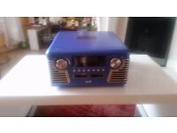 Retro Style Record Payer/CD Player/Am/FM Radio