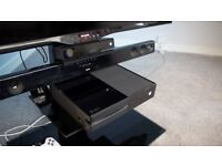 Xbox One 500Gb with Kinect and 2 controllers