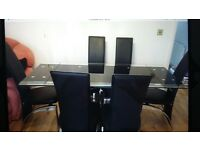 Excellent Condition Table & 6 Chairs