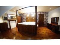 master Double Size Room in a GlRL House Flat Share -- mint pie