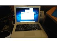 "Apple MacBook Mid 2007 Model 2GB RAM 500GB HDD 13"" screen 2Ghz Intel Core 2 Duo"