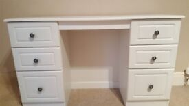 Stunning Six Drawer Kneehole Dressing Table