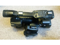 Sony XDCAM PMW-EX1 Camcorder with 1x sony SXS 16gb cards (1097HRS) £1500 Description