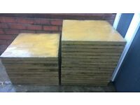 27 Sand colour garden/patio/paving slabs (60x60cm), very good condition, pick up only