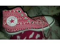 Christmas patterned converse