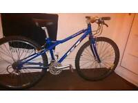 """• GT commuter bike - FIXED FORK(No Shocks) ° 21 gears & 26"""" wheel ° Excellent condition •"""