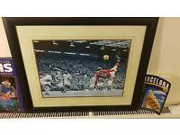 Wayne Rooney Bicycle Kick vs Man City (Framed)