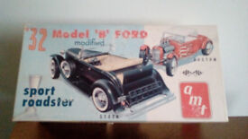 Hot rod Model Kit, Boxed, unmade 1932 Ford Roadster 2nd issue RARE! AMT kit