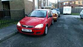 Vauxhall corsa 998cc 2004 very low miles 32000 new mot and taxed