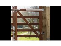 Gorgeous 3ft gate 5 bar field gate like new with hinges