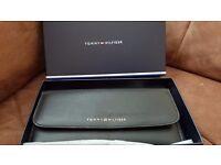 Tommy Hilfiger ladies purse (genuine leather - new)