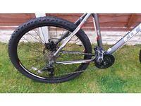 "Carrera Vengeance Mountain Bike 20"" frame 26"" wheels"