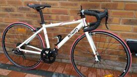 Childs Road Bike: B'Twin Triban 3 Junior. Lovely Bike - Look!