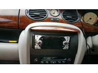 Beautiful perfect rover powered by bmw automatic sound system dvd player.