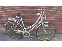 LADIES VINTAGE RALEIGH CAPRICE DUTCH STYLE TOWN BIKE 19.5in/49cm FRAME SERVICED IN CLEAN ORIG COND