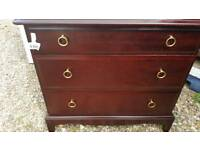 Stag minstrel 3 drawer chest in excellent condtion