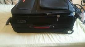 Traveling bag black