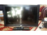 LG 32 INCH 1080P HD TV WITH REMOTE AND STAND HARDLY USED NOT SAMSUNG SONY PANASONIC