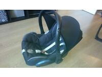 Maxi Cosi Car Seat + Infant insert