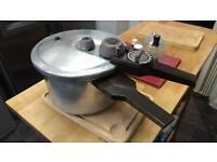 Prestige 6lt Pressure cooker £25