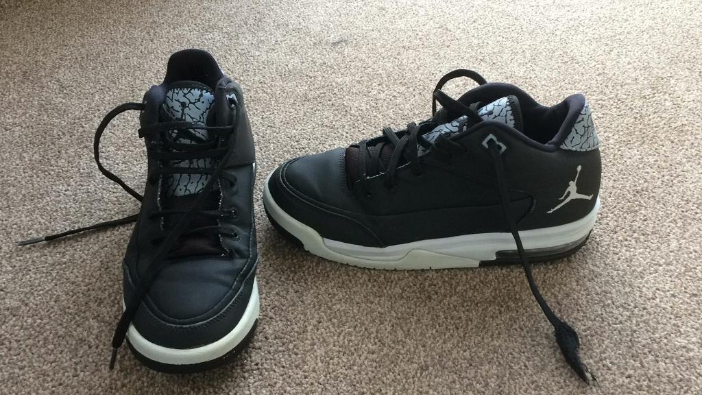 new product 93de2 9e241 Authentic Black Michael Jordan Sneakers   Trainers   Shoes in Size 5 U.K