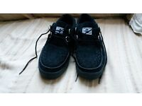 mens T.U.K. creepers size 9