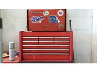 Snap-on 9 drawer tool chest. 2 keys.