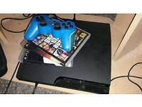 PS3 + 3 GAMES & CONTROLLER