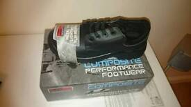 Safety shoes size 8 new