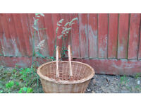 Wicker front bicycle basket - convertible picnic basket