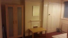 Double Room in Alperton, Wembley