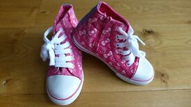 Girls Hello Kitty hi top trainers boots size 12