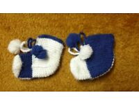 Choice of Home hand made baby boy girl wool socks booties pram shoes 3-6-9-12 mths blue white yellow