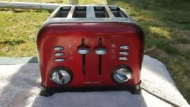 4 slice toaster Russel Hobbs