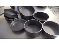 selection of quality loose-bottomed cake tins