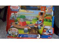 Thomas the tank engine train set castle quest boxef