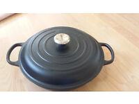 Le Creuset casserole dish 30cm BRAND NEW