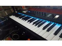 Native Instruments Kontrol s49 Midi Keyboard & Komplete 10 Software Bundle