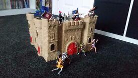 Castle & figures